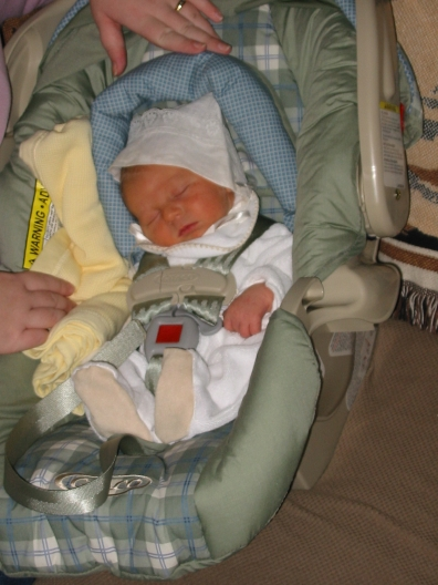 carseat-newborn.jpg